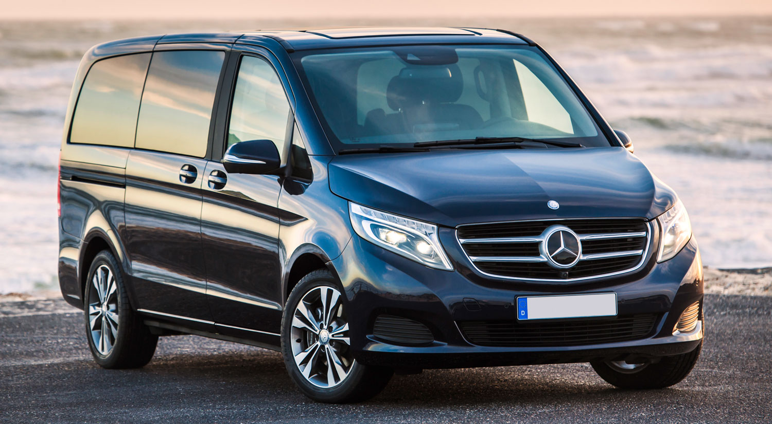 Mercedes benz classe v five stars rentals monte carlo for Where can i rent a mercedes benz